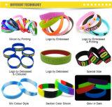 Bandes de poignet promotionnelles estampées par logo fait sur commande en caoutchouc de silicones