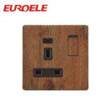 Soquete comutado 13A de madeira do material do PC da cor com luz