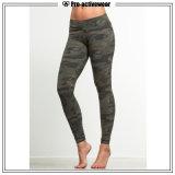 OEMの工場適性の女性の試しのCamoの体操のヨガのズボン