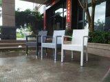 Rattan ao ar livre de vime que janta o jogo com mobília do hotel