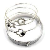 Silbernes Draht-Armband mit Stern-Faltenbildungen für Charme