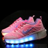 De buitenlandse LEIDENE van de Schoenen van de Sport van de Handel Roze Lichte Tennisschoenen van de Rolschaats voor Jonge geitjes met van de Intrekbare LEIDENE van de Rol het Lopen Schoenen van de Rolschaats