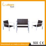 Сделано в таблице места влюбленности мебели патио Китая напольных пластичных деревянных и софе стула