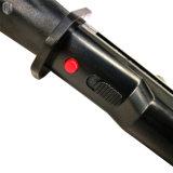 1122 policía atonta el arma con la luz fuerte