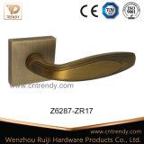 De Toebehoren van de Hardware van de deur, het Handvat van de Hefboom van de Deur van de Legering van het Zink op Rozet (Z6234-ZR11)