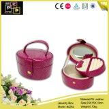 Розовая коробка ювелирных изделий цвета сделанная от кожи