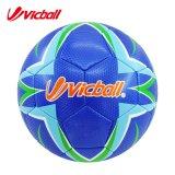 Fábrica del balón de fútbol de la intervención de Sedex con la costura de la máquina