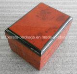 Деревянная коробка для двойного кольца