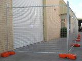 O cerco provisório soldado da construção do engranzamento de fio