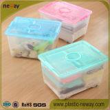 Grande casella di memoria di plastica trasparente con le rotelle