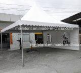 le bâti d'aluminium de 5X5m refont le plein de l'écran extérieur de pagoda de tente