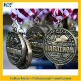 A medalha da maratona 10k com bronze antigo chapeou