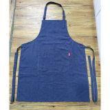 Kundenspezifische Form-blaue Leinenküche-Schutzbleche für Frauen