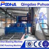 Ingenieur installieren Granaliengebläse-Maschine der Stahlplatten-Q69, entfernen Rost-Gerät