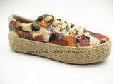 Niedrige Schnitt-Frauen-beiläufige Schuhe mit Jutefaser-Seite (ET-FEK160114W)