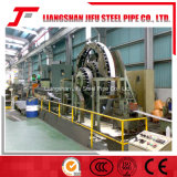 Tube en métal soudé formant la machine