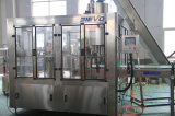 Máquina de rellenar del refresco carbónico automático para la pequeña botella plástica