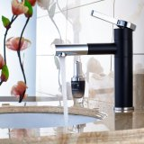 Die Messingbassin-Hahn-Mischer-Plattform aussondern eingehangene Griff-