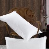 Новой помытая конструкцией подушка хлопка для дома