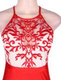 赤く新しい到着極度のカスタマイズされたOEMサービスは卸しでスパンコールがついた長いプロムの服を決め付ける