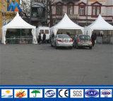 Grupo ao ar livre das barracas do Pagoda do estacionamento do carro para a venda