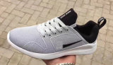 2017 chaussures légères occasionnelles de sport de chaussure de course de chaussures neuves d'hommes