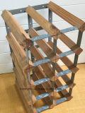 La madera y el metal galvanizaron los asimientos colgantes de acero del sostenedor del estante de la botella de vino 10 botellas