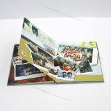 환영되는 민감한 잡지 또는 책 또는 카탈로그 또는 브로셔 인쇄, 고품질, 주문을 받아서 만들어진 크기 또는 디자인