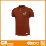 Deportes de los hombres que funcionan con la camiseta del polo
