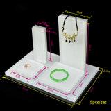 Étalage acrylique blanc clair de bijou