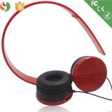 Auscultadores estereofónico prendido estilo do vermelho da venda por atacado dos auriculares da forma do fabricante