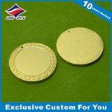 La medaglia poco costosa all'ingrosso dello spazio in bianco del metallo con il laser ha inciso il vostro marchio