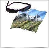 De schone Super Goede Zonnebril die van het Effect Doek schoonmaken