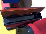 Silla roja del auditorio de la sala de reunión con el vector de escritura (Ms-226)