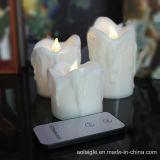 Una vela blanca más caliente del LED que oscila con teledirigido