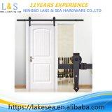 Компактное твердое деревянное оборудование раздвижной двери
