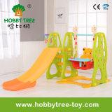 2017人の普及した子供のスライド(HBS17025E)が付いている屋内小型演劇装置