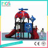 Los niños de atracciones de plástico al aire libre Zona de juegos