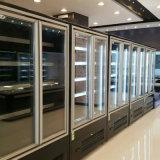 冷却するか、またはフリーズのキャビネットのスーパーマーケットかコンビニエンスストアの縦のガラスドアの範囲