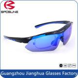 Les lunettes de soleil de prix usine de Guangzhou vendent des sports en gros de la mode UV400 faisant un cycle des glaces