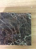 大理石のタイルかEmperadorの暗い大理石のタイル
