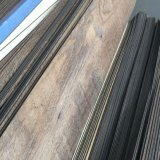 Zaag die Tegels/Planken van de Bevloering van de Luxe van pvc de de Vinyl snijden