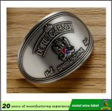 Contrassegno dell'emblema del vino stampato alluminio su ordinazione poco costoso 3D del metallo di prezzi di fabbrica con il buon autoadesivo