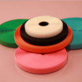 Crochet coloré et boucle de bonne qualité