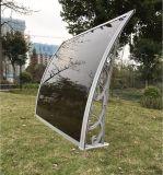 Het Zonnescherm van het Polycarbonaat van het roestvrij staal voor de Bescherming van de Regen van de Tuin van het Balkon