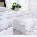 Versehen Baumwolldeckel 100% und unten gefüllten Feder-Matratze-Deckel mit Federn