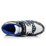 二重車輪が付いている2016の高品質のローラーの靴は、人および女性のためのスポーツの偶然靴をひもで締める