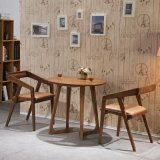 Tavolo da pranzo rotondo in legno massiccio classico in legno