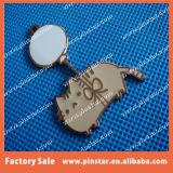 Alibabaのメンバーの金属の泡話猫デザインカスタム折りえりピン