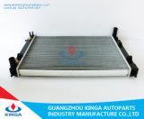 Radiateur de G.M.C de Commodoer Vx V8 à avec le réservoir en aluminium de noyau et de plastique